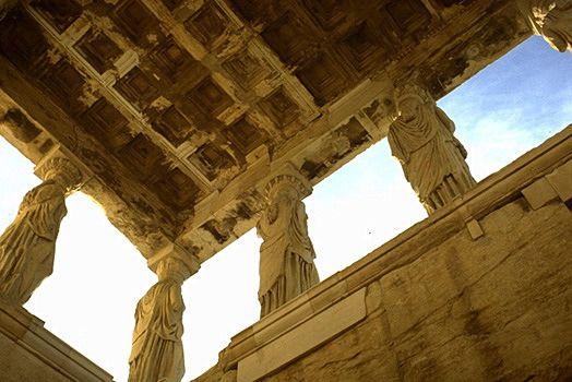 سقف وافل در بنای آکروپولیس یونان
